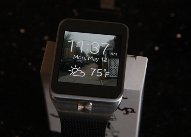 Samsung Goes For Another Round In The Wearables Ring With The Gear 2