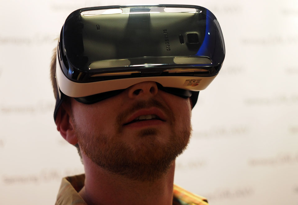 Samsung and Oculus partner to create Gear VR, a virtual reality headset that uses the Note 4 (hands-on)